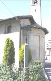 La chiesetta di Sant'Antonio, già Lazzaretto, con la colonna della peste del 1630